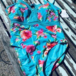 NWT XL swimsuit